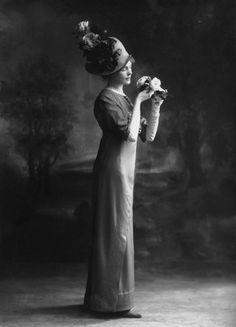 Gertrude Robins by Bassano, 1911