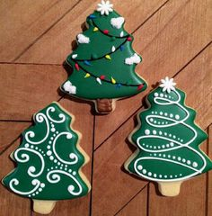 Latest Photographs 40 ideas cake decorating icing design sugar cookies Style The best immediately vacation holiday in the Pacific Northwest is The Lights of Christmas in Stanwo Easy Christmas Cookie Recipes, Christmas Tree Cookies, Iced Cookies, Christmas Sweets, Christmas Cooking, Noel Christmas, Christmas Goodies, Holiday Cookies, Simple Christmas