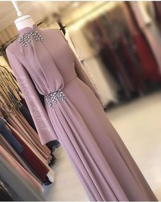 Fashion Dresses Formal Chic Source by fashion muslim Hijab Evening Dress, Hijab Dress Party, Hijab Style Dress, Evening Dresses, Hijab Gown, Abaya Style, Prom Gowns, Abaya Fashion, Muslim Fashion