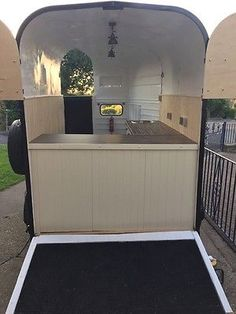 Ways to Purchase a Horse Trailer Coffee Carts, Coffee Truck, Coffee Shop, Catering Trailer, Food Trailer, Glamping, Converted Horse Trailer, Horse Box Conversion, Mobile Food Cart