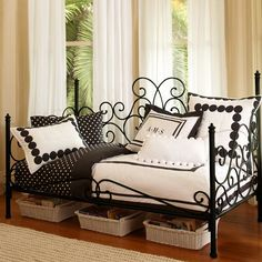 Amelie Daybed + Trundle | PBteen