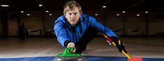 Curling-mestari Pekka Peura opettaa ilman kokeita ja aikatauluja. Kaikki oppivat, eikä tasoryhmiä tarvita. Home Appliances, Teaching, Curling, School, House Appliances, Appliances, Education, Onderwijs, Learning