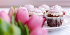 Cupcakes napoletane/ Neapolitan Cupcakes Muffins, Cupcakes, Desserts, Food, Tailgate Desserts, Muffin, Cupcake Cakes, Deserts, Essen