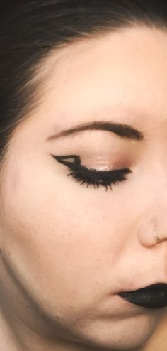 Graphic Eyeliner, Mac Blacktrack