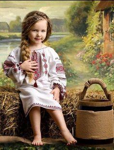 Little Ukrainian girl in national embroidery Precious Children, Beautiful Children, Beautiful People, Cute Kids, Cute Babies, Kind Photo, Ukrainian Art, Embroidered Clothes, Folk Costume