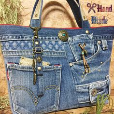 Denim Handbags, Denim Tote Bags, Artisanats Denim, Blue Jean Purses, Diy Bags Patterns, Diy Bags Purses, Denim Ideas, Denim Crafts, Recycled Denim