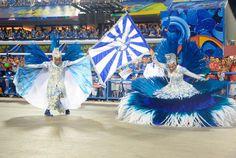 A porta bandeira e o mestre de sala da Portela / Peter Ilicciev/AgNews