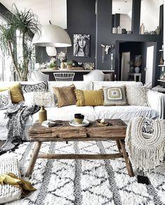room decor 2018 Absolutely loving this boho-chic living room by Absolut begeistert von diesem Boho-Chic Wohnzimmer von Boho Chic Living Room, Bohemian Living, Boho Chic Bedroom, Bedroom Inspo, Modern Bedroom, Bedroom Ideas, Style Deco, Home Living, Modern Living
