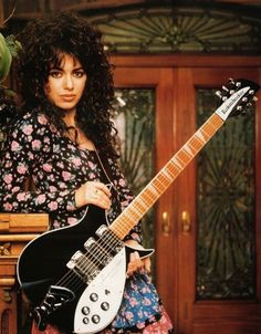 """Led by singer-guitarist Susanna Hoffs, the all-female band became synonymous with the thank to songs such as """"Manic Monday"""" and """"Walk Like an Egyptian. Susanna Hoffs, Female Guitarist, Female Singers, Rock Roll, Rickenbacker Guitar, Back In The 90s, Women Of Rock, Guitar Girl, Women In Music"""