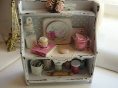 It's a miniature life: A Shabby baking shelf and a whoopie pie party cake