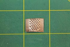 Emilian kotona Havumetsäntiellä: Raastinrauta Dollhouse Miniature Tutorials, Dollhouse Miniatures, Kitchen Design, Photo Wall, Diy, Miniatures, Photograph, Design Of Kitchen, Bricolage