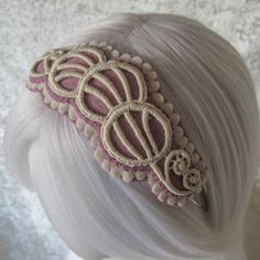 IN STOCK - Wool felt 1920s style hairband fascinator with organic cotton lace and contrast felt trim, in lavender / lilac and white by eternalmagpie on Etsy https://www.etsy.com/uk/listing/219951220/in-stock-wool-felt-1920s-style-hairband