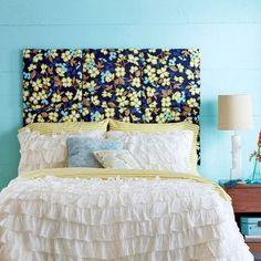 Kopfteil mit buntem Stoff beziehen und die Wände neu färben