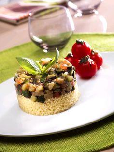Ratatouille na zimno na kuskusie z pomidorami i pesto