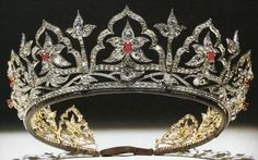 The Oriental Circlet was created in 1853 by Garrard & Co. for Queen Victoria