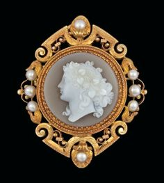 A carved stone cameo, late 19th century.