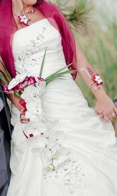 Vous voulez que ce jour soit unique , Votre mariage vous ressemble et je vous propose de créer vos bijoux a votre demande . Faites de ce jour , le plus beau !!!N'hésitez pas a me contacter pour tous renseignements .