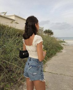 crop top outfits with ripped jeans Looks Style, Looks Cool, Style Me, Look Fashion, Fashion Outfits, Womens Fashion, Fashion Pics, Trendy Fashion, Casual Outfits