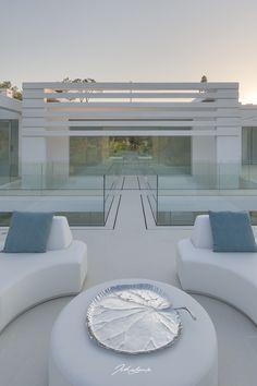 Architecture Jutta Hoehn - Quinta do Lago Golf Leste 19 Algarve, Golf, Table Decorations, Architecture, Furniture, Home Decor, Arquitetura, Decoration Home, Room Decor