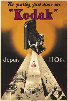 Publicité #Kodak rappelant de ne pas oublier son appareil photo pour les vacances à la campagne, à la mer, à la montagne. Et ce n'était pas encore les congés payés.... Affiche de Max Ponty (1904-1972), circa 1930.