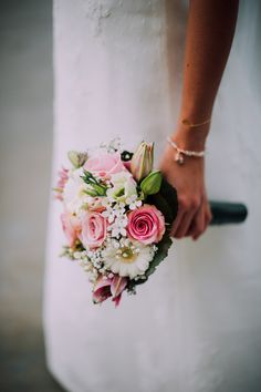Idea, tricks, also guide with respect to receiving the most effective outcome and also creating the max utilization of Wedding Cake Daisy Bouquet Wedding, Bride Bouquets, Bridesmaid Bouquet, Prom Flowers, Wedding Flowers, Wedding Flower Pictures, Wedding Events, Wedding Day, Small Bouquet