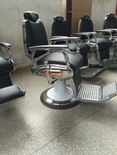 Soon available! The new series of Bellezi Barber Chairs from The Netherlands.