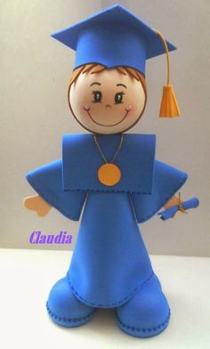 graduate boy doll in fun foam Diy Crafts For Gifts, Foam Crafts, Hobbies And Crafts, Preschool Crafts, Crafts For Kids, Paper Crafts, Graduation Treats, Preschool Graduation, Graduation Decorations