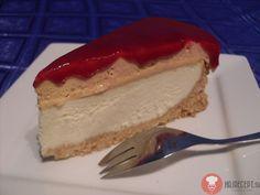 Red cheesecake bol sladký, jemný a zároveň jemne kyselkavý, vytvorila som si vlastnú kombináciu. Tento cheesacake nájdete iba tu. Je to môj vlastný originál