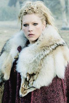Immagine di vikings and lagertha Vikings Lagertha, Lagertha Hair, Ragnar Lothbrok, Norse Vikings, Katheryn Winnick, Vikings Tv Series, Vikings Tv Show, Viking Warrior, Viking Queen