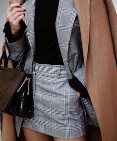 How to Wear: The Best Casual Outfit Ideas - Fashion Mode Outfits, Skirt Outfits, Fashion Outfits, Skirt Fashion, Fall Outfits, Tartan Skirt Outfit, Mini Skirt Outfit Winter, Black Blouse Outfit, 6th Form Outfits