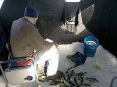 Ice Fishing Fishing Photos, Fishing Stuff, Gone Fishing, Ice Fishing Shanty, Winter Fishing, Mens Travel, Winter Sports, Trout, Cool Photos