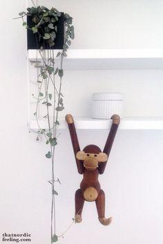 Kay Bojesen monkey via that nordic feeling Countdown Till Christmas, Christmas Friends, Winter Forest, Scandi Bedroom, Nordic Interior Design, Nordic Home, Mid Century Design, Danish Design, Home Deco