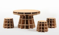 Chairigami: Cardboard furniture for the urban nomad. (con