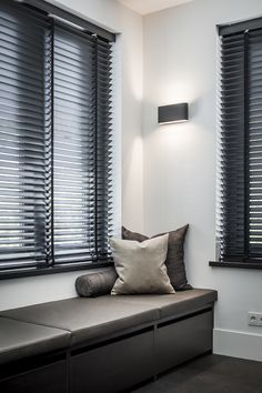 Diy Bedroom Decor, Living Room Decor, Home Decor, Interior Design Living Room, Living Room Designs, House Fence Design, Store Venitien, House Blinds, Curtains With Blinds