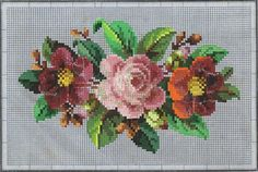 Prelepa starinska šema. Cross Stitching, Cross Stitch Embroidery, Mosaic Flowers, Needlepoint Designs, Cross Stitch Flowers, Vintage Wool, Cactus Plants, Needlework, Floral Wreath