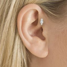 Next piercing. Im thinking this and a daith on the side with my upper cartilage a rook on the side where of my tragus piercing. Tragus Piercings, Cartilage Jewelry, Cute Piercings, Body Piercings, Piercing Tattoo, Cartilage Earrings, Stud Earrings, Tragus Stud, Double Cartilage