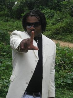 Check out SINGER DEE on ReverbNation