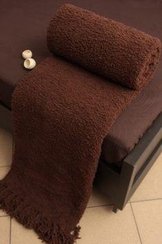 Hnedá deka Szet je dostupná v jednom rozmere: 170x210 cm.