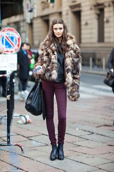 Fur Fourrure Pelliccia шуба кольцо уплотнитель fur with burgundy bottoms #fur #fashion