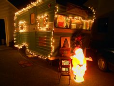 decorating 4 christmas vintage caravans vintage travel trailers retro trailers tiny - Rv Christmas Decorations