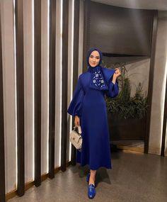 Modern Hijab Fashion, Muslim Fashion, Modest Fashion, Fashion Dresses, Night Outfits, Cute Outfits, Clothing Hacks, Wedding Dress Sleeves, Mode Hijab