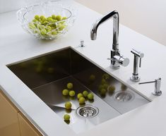 Kitchen sink faucet - Taking apart a kitchen sink faucet is a simple. Depending on what type of faucet you have, Best Kitchen Sinks, Kitchen Sink Design, Kitchen Sink Faucets, Kitchen Redo, Kitchen And Bath, New Kitchen, Sink Taps, Kitchen Cleaning, Kitchen Small