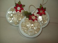 Canning jar lid ornament - these would be darling on a Christmas tree and/or give as gifts.  Adorable !