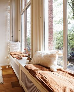 Moving Places, Shag Rug, New Homes, Amsterdam, Curtains, Living Room, Bed, Interior, Furniture