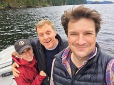 Charissa Barton‏ @charissabarton1 6/19/17   It's a fine day indeed when you get to spend it on a boat with these charming fellas. @AlanTudyk @NathanFillion #loveandlaughs
