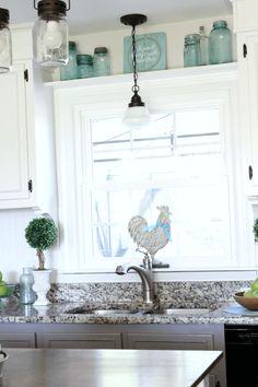Best Farmhouse Kitchen Sink Design-Ideen und Dekor - Home Decor Kitchen Window Coverings, Kitchen Sink Window, Kitchen Sink Design, Farmhouse Sink Kitchen, Kitchen Redo, New Kitchen, Kitchen Windows, Kitchen Cabinets, Farmhouse Decor