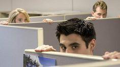A medida que crecen las empresas y se subdividen en departamentos, la comunicación entre los compañeros de trabajo disminuye. Cada vez nos interesamos menos por nuestros colegas. ¿Qué es lo que está pasando?