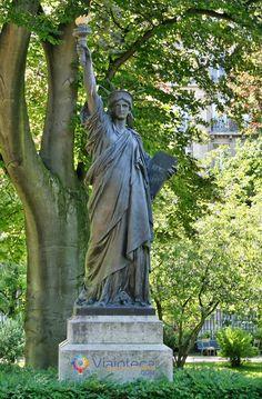 Statue de La Liberte Parques e JardinsdeParis #Viajoteca