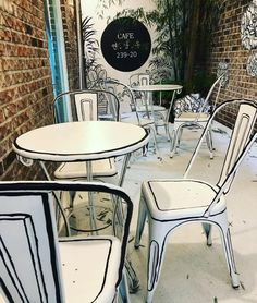 A Cafe in Seoul Uses Clever Contour Lines to Appear Like a Cartoon - Dr Wong - Emporium of Tings. Painted Chairs, Painted Furniture, Furniture Design, Cafe Interior Design, Interior Decorating, Deco Restaurant, Modern Restaurant, Home Renovation, Coffee Shop Design