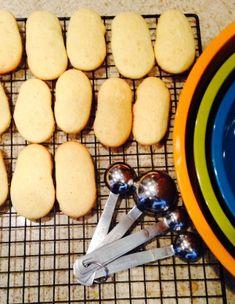 Savoiardi (Italian Ladyfingers) - Just made these with mom, used lemon/orange glaze on top. Savoiardi Recipe, Lady Fingers Recipe, Italian Desert, Little Nice Things, Finger Cookies, Vegetarian Eggs, Italian Cookies, Italian Biscuits, Something Sweet